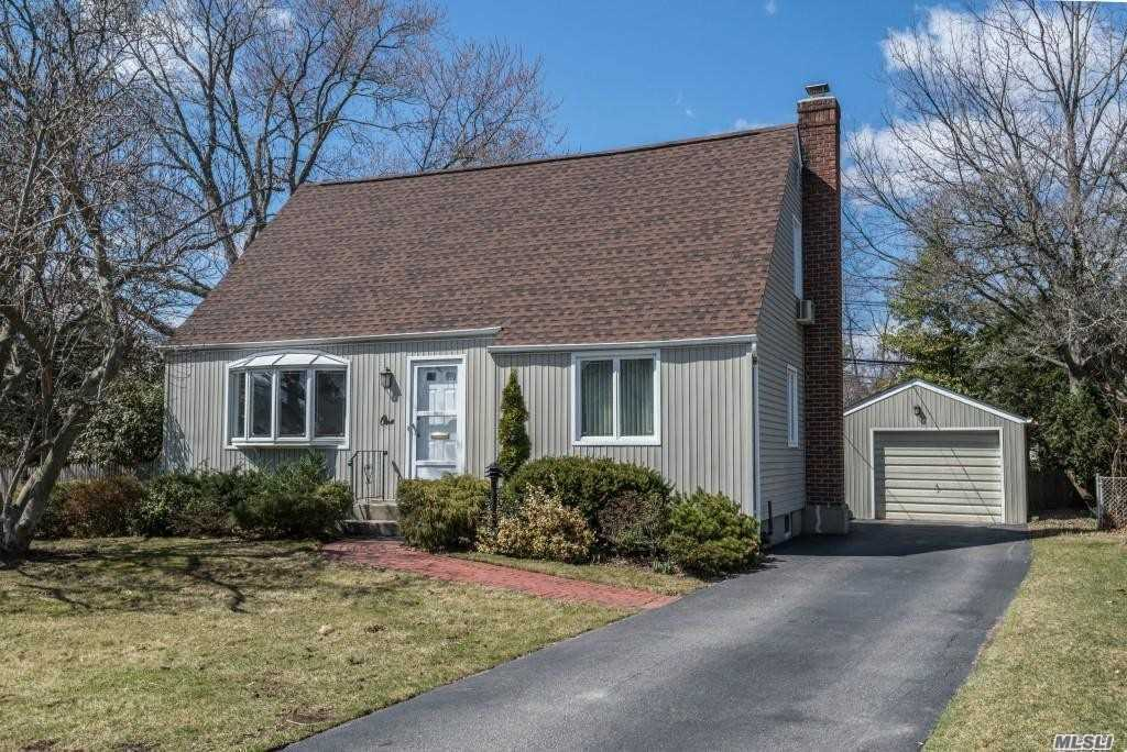 Opportunity Awaits Today's Price And Tax ($10754) Conscious Buyer, Along With The Highly Acclaimed Syosset School District, This Stylist Cape Style Home Offers:New Kitchen Cabinets With New Ss Appliances, Ample Dining Area, Living Rm /Family Room, 2 Bedrooms On The 1st Floor, 2 Large Bedrooms On The Second Flr, 2 Recently Updated Full Baths, Cac, Large Recreation Room And Storage In The Lower Level. Large Rear Property. Short Distance To Train And Shopping! Low Taxes! A Must See!