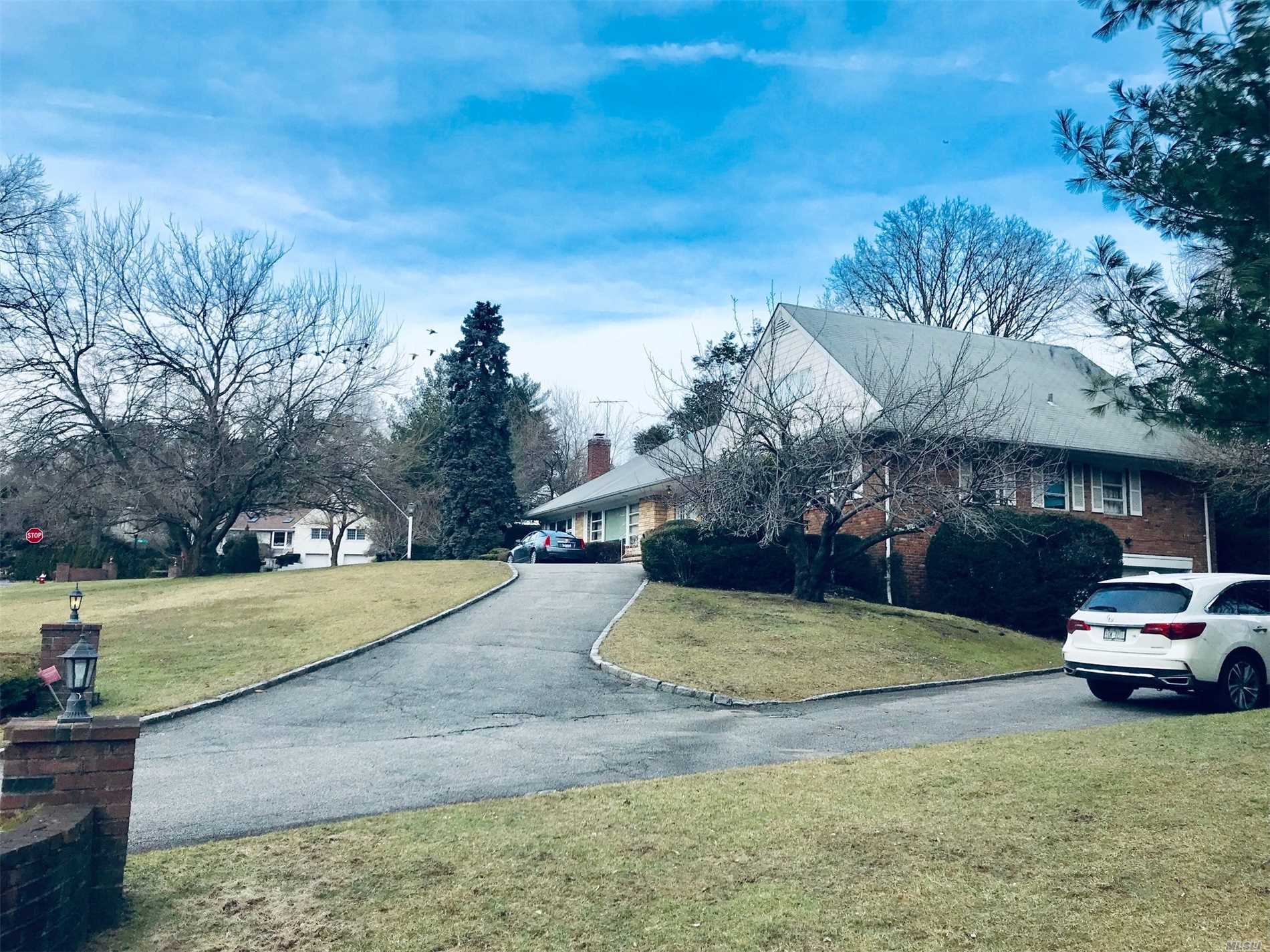 Large Extended Ranch With Wrap Around Driveway In One Of The Largest Lots In Great Neck Estates. A Short Walk To Pond With Tranquil Setting. Prestigious Village Features Its Own Police & Waterfront Park With Pool & Tennis. Option To Attend Gn North Or South Hs. Easy To Expand To Luxury Mansion. Builder Delighted.