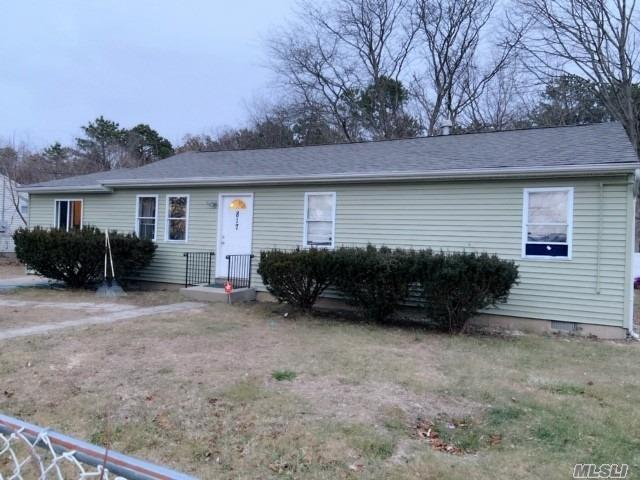 Tenant Occupied. Do Not Disturb Tenant!!!!! New Roof, Updated Kitchen & Bathroom. New Hot Water Heater, Gas Cooking And Gas Heat. Five Good Sized Bedrooms, Kitchen W/Ose, New Flooring, Updated Electrical.