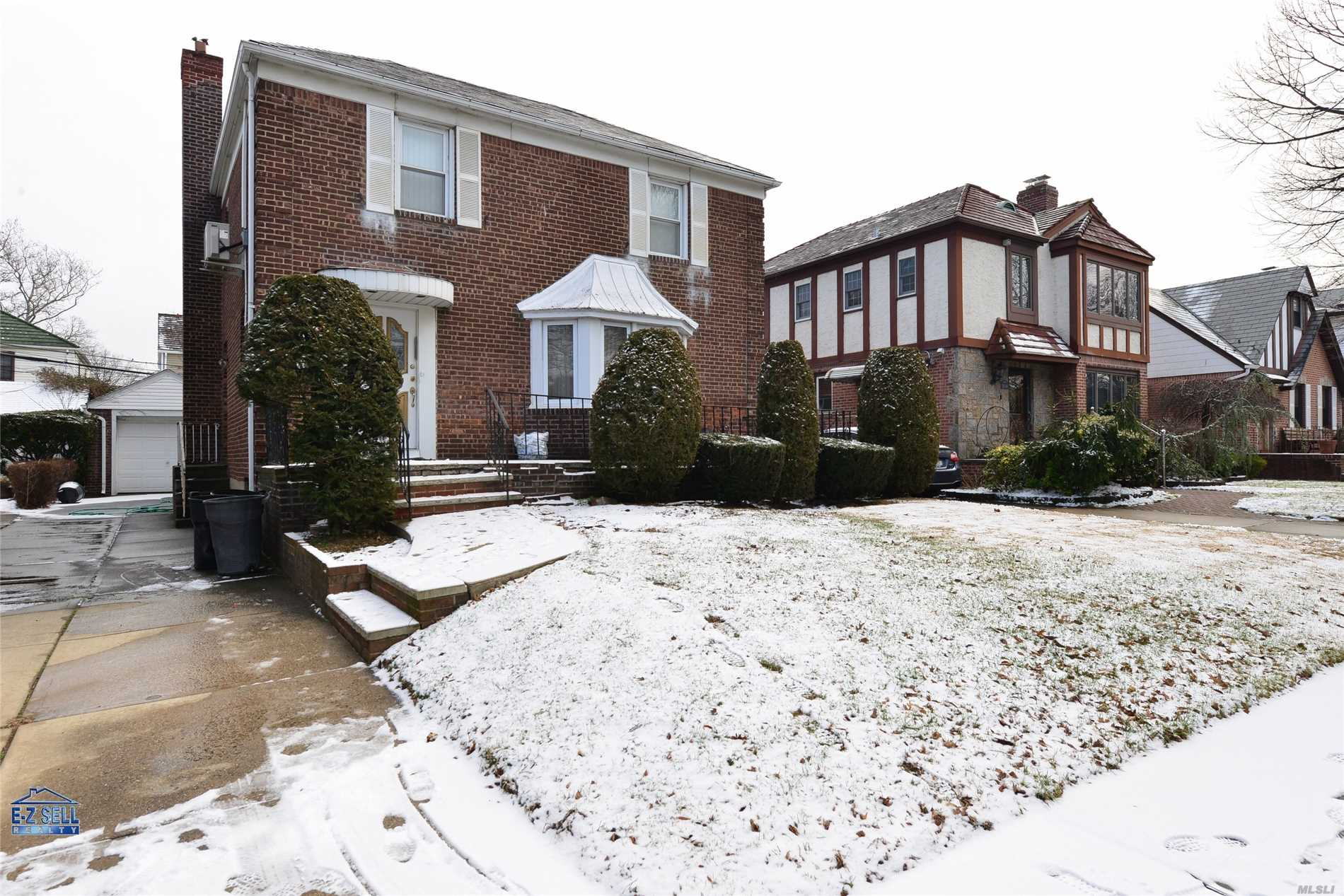 Huge, Extended, Rarely Found House In Prime Location Of Fresh Meadows. Detached House Features 5 Bedrooms, 2.5 Bathrooms, Large Eat-In Kitchen, Finished Basement And Central Air Conditioning System. Lot Size 42X100, Building Size 27X40. Excellent Location, Steps To Union Tpke,  Transportation.