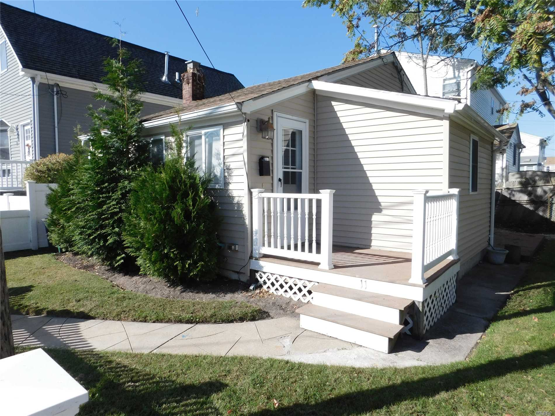 Fully Renovated! Only $5613.75 Taxes Without Star Exemption. No Village Taxes. Double Lot. New Pvc Fence. Recently Sided W/Thermal Pane Windows, Newer Roof, Updated Granite Kit W/Ss Appls, New Gas Boiler, New Electric, New Washer/Dryer, Full Attic Space, Next To Park!