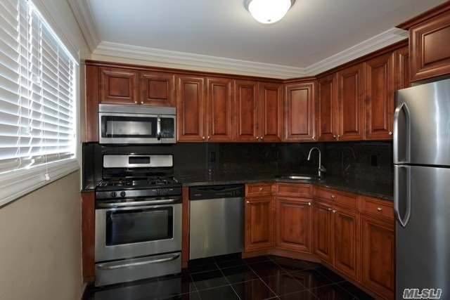 Two Minute Drive To The Federal Courts & Duck Baseball Stadium. Brand New Interior & Exterior! Granite Flooring & Granite Countertops & Stainless Steel Appliances In Kitchen. Large Granite Bath, Plush Carpeting, Hi Hats, Ceiling Fans, Crown Molding.