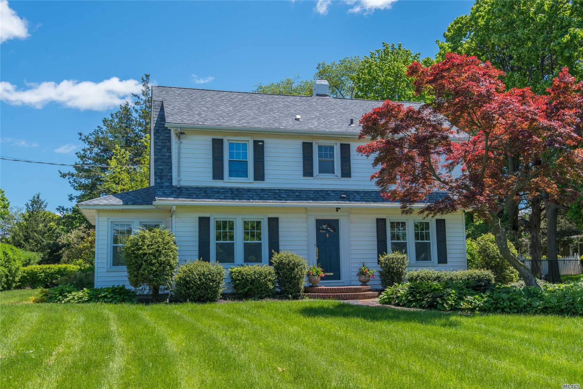 2018 Renovated Colonial Sits On Oversized Corner Lot Just 1 Mile To Huntington Village. New Floors, Windows, Kitchen, Bathrooms, Laundry, & So Much More In This Early Century Home That Is Up To Date With All Your Modern Amenities. Sun Filled Kitchen Feat. Quartz Countertops & Stainless Steel Appliances Leads To Full Bath & Mud Room. Full Unfinished Basement W/ Storage. 2 Driveways Provide Ample Parking. Conveniently Located To All 2.6 Miles To Train, And 1.5 Mile To Gold Star Beach.