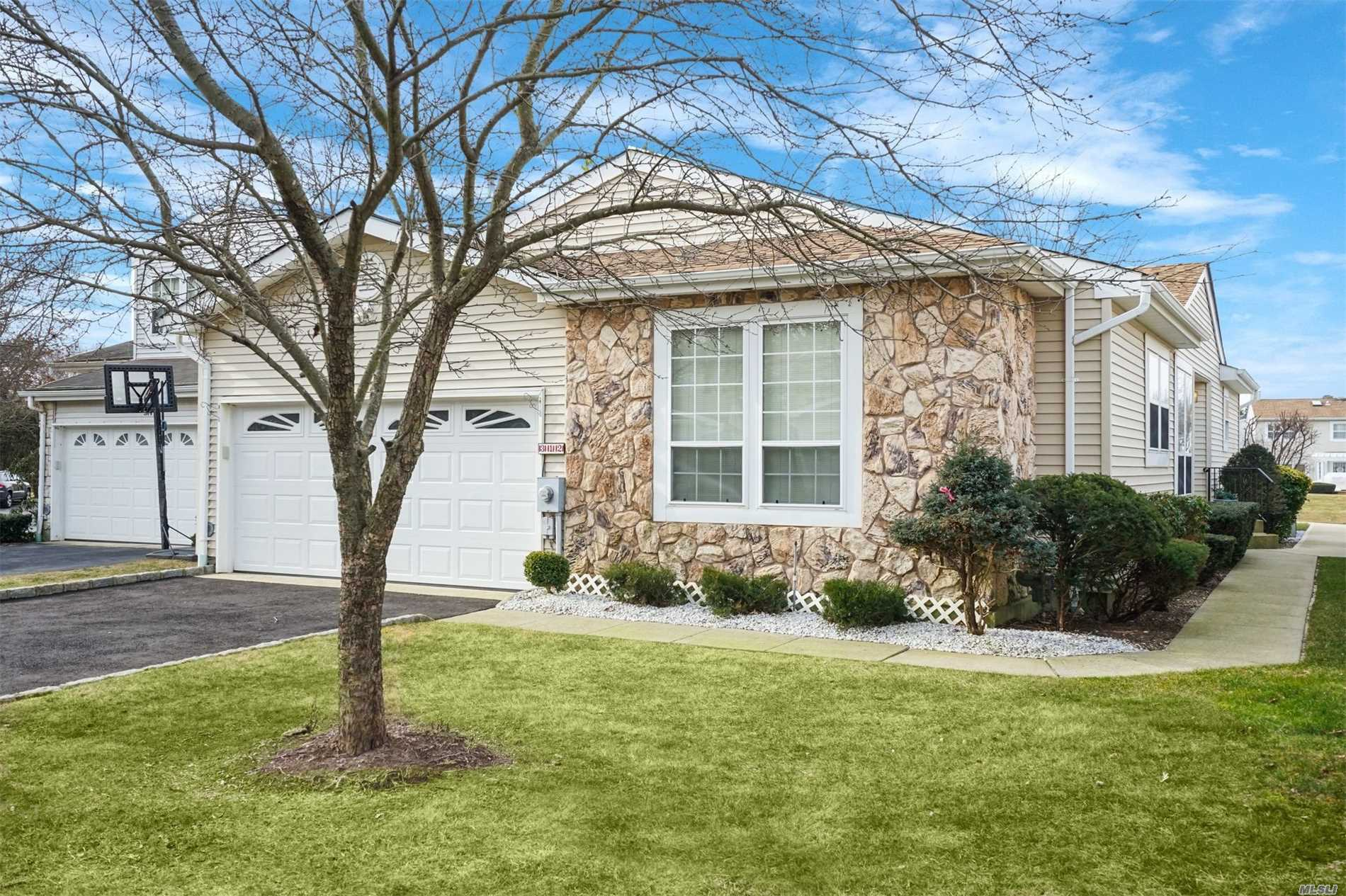 Rare Find! One Level Living At Its Finest! 24 Hour Manned Gate! This Is The Home You Have Been Waiting For! Bright Spacious Formal Living & Dining Room With High Ceilings, Eat In Kitchen W New Sliders To Extended Patio W Gas Line For A Bbq Beautiful All Year Round Lakeside Views, King Size Master Suite With 2 Walk In Closets, 2nd Full Bath & 2 Addt'l Bedrooms, Huge Fully Finished Basement, New Gas Heating System & Hot Water Heater, Updated Roof, Very Active Community! Close To All!