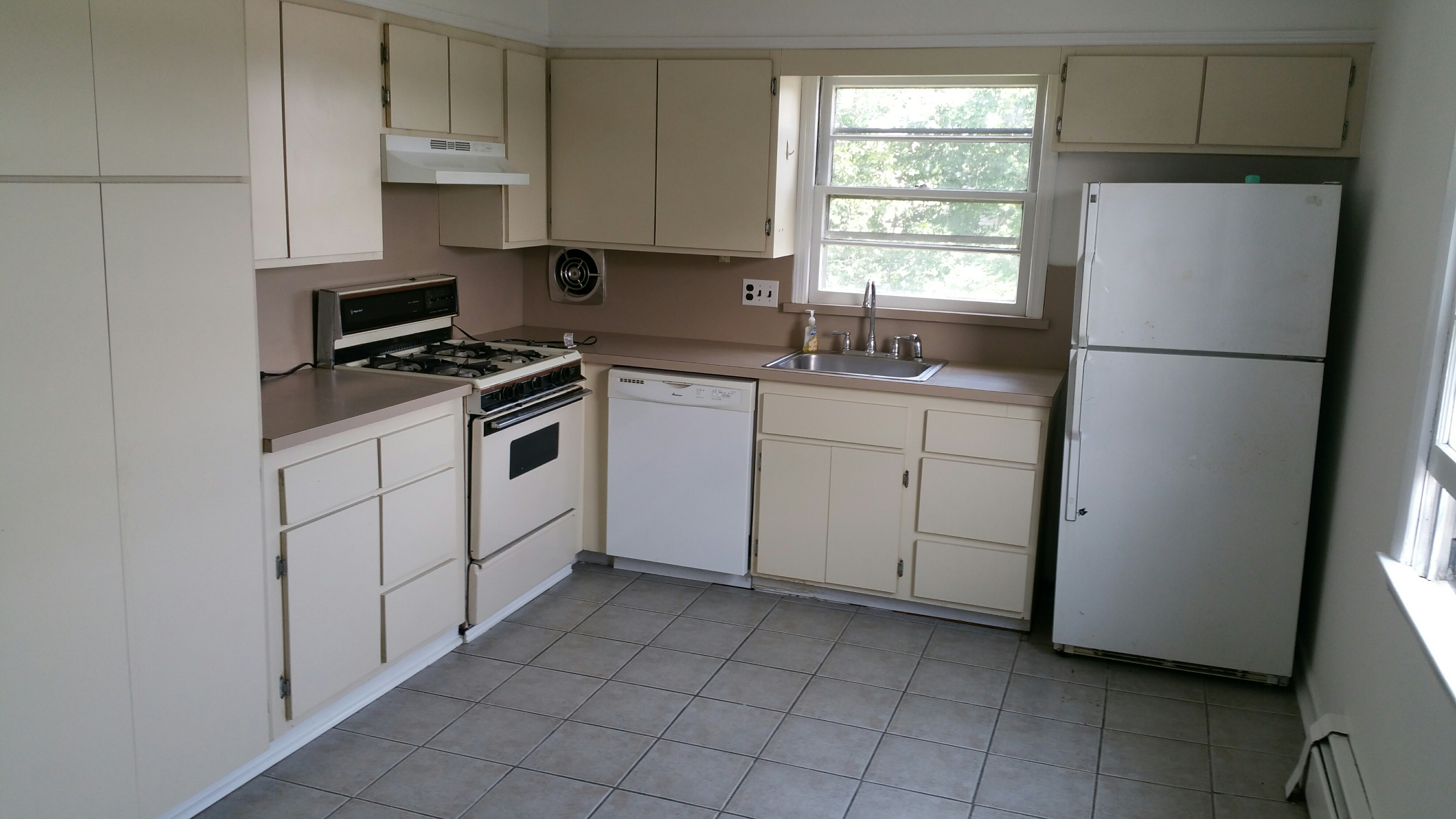 Spacious layout in a well kept 2 family.  2 Bedrooms plus small office/nursery. Many custom features, big kitchen, near train & town and all that sought after Harrison has to offer. Small friendly pet considered- under 25 pounds  Call a Leasing Specialist at 914-834-8200.