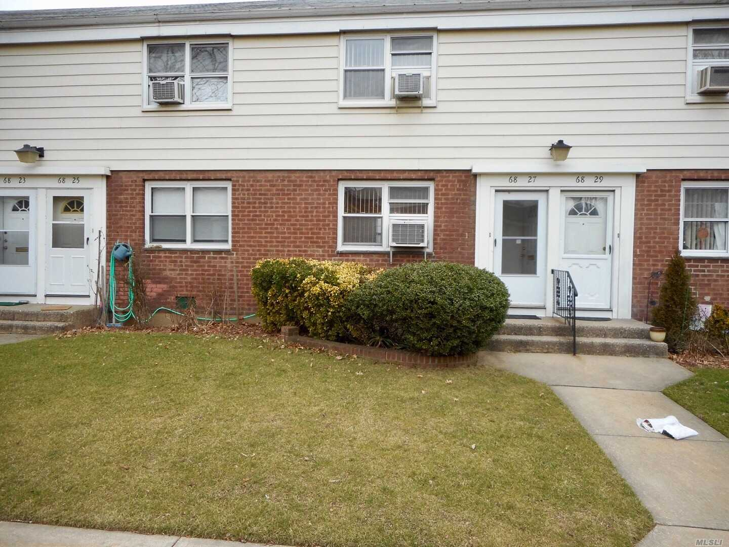 New Listing*****Beautiful Two Bedrooms Duplex Coop In Bayside. Inside Gorgeous Courtyard. New Hardwood Floor. Private Backyard And Attic ! Very Low Maintenance At $625 And Parking! Washer And Dryer Allow In Unit And 1/2 Bath Allow On First Floor! Flip Tax 10% Pay By Seller. Zone For Blue Ribbon Schools Ps46 And Ms74 !!!!