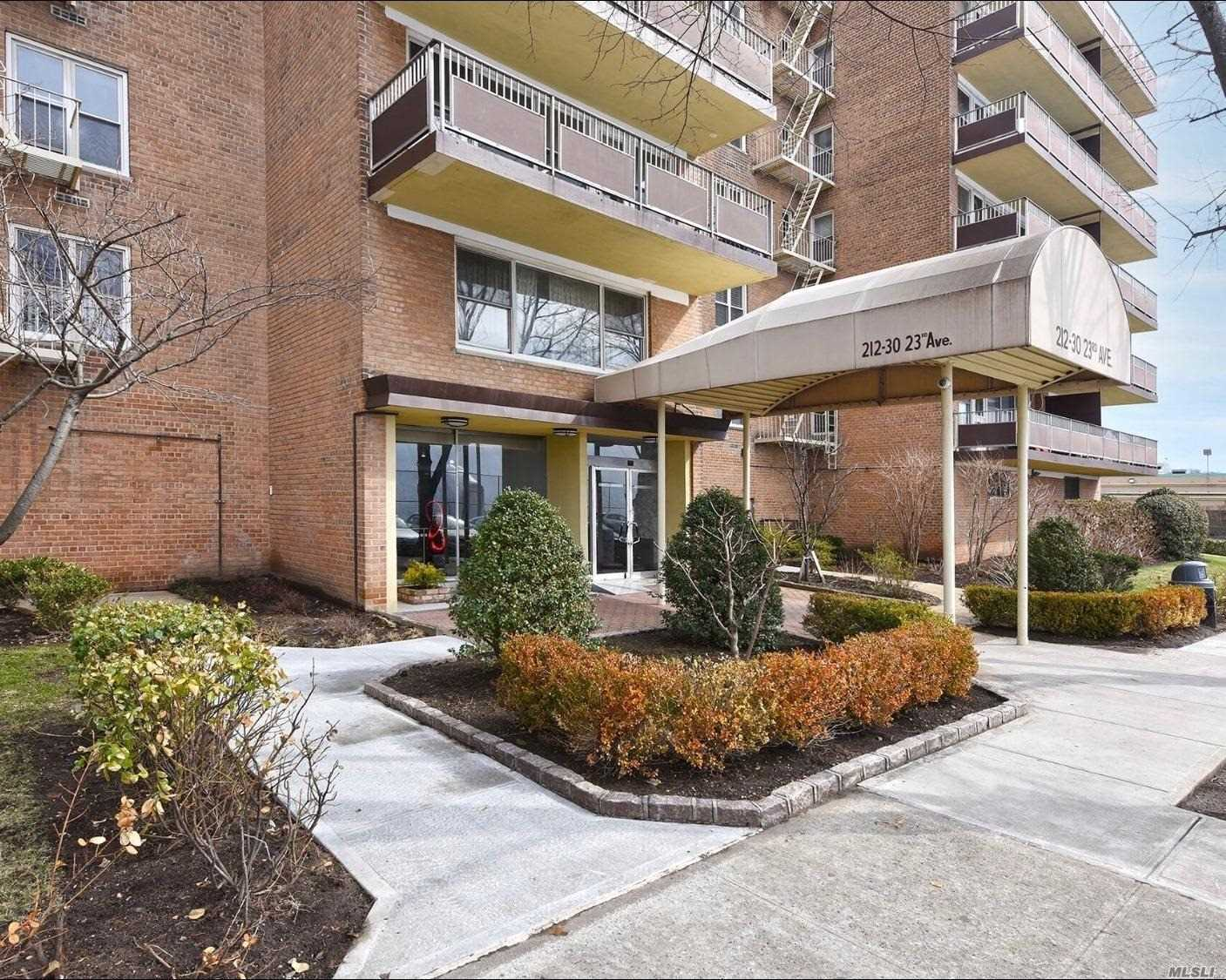 Beautiful Bright Spacious 1 Bedroom Unit W/ Updated Granite Kitchen W/ Custom Cabinets , Large L-Shape Living Room/ Dining Room, Marble Bath, Large Private Balcony , Closets Galore, Nest Heating & Cac Must See !!! Don't Miss This Beauty !!!