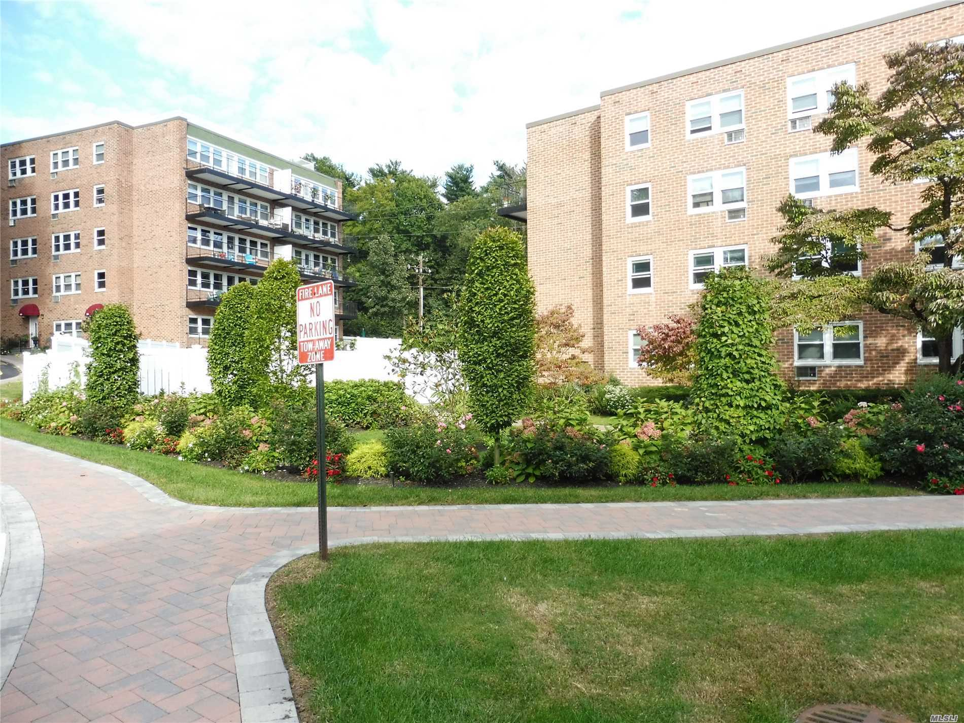 Great 1 Br On 3rd Fl In Desirable Glen Pearsall Community. Plenty Of Closets. Laundry On Same Floor. Beautifully Maintained Complex With Pretty Enclosed Ig Pool. Opportunity To Purchase On The North Shore, Close To Lirr, Shopping And Restaurants, Golf And Beaches. No Pets Allowed. Taxes, Heat And Water Included In Maintenance. Buyer Pays Flip Tax @$9/Share. 360 Shares. No Pets Allowed.
