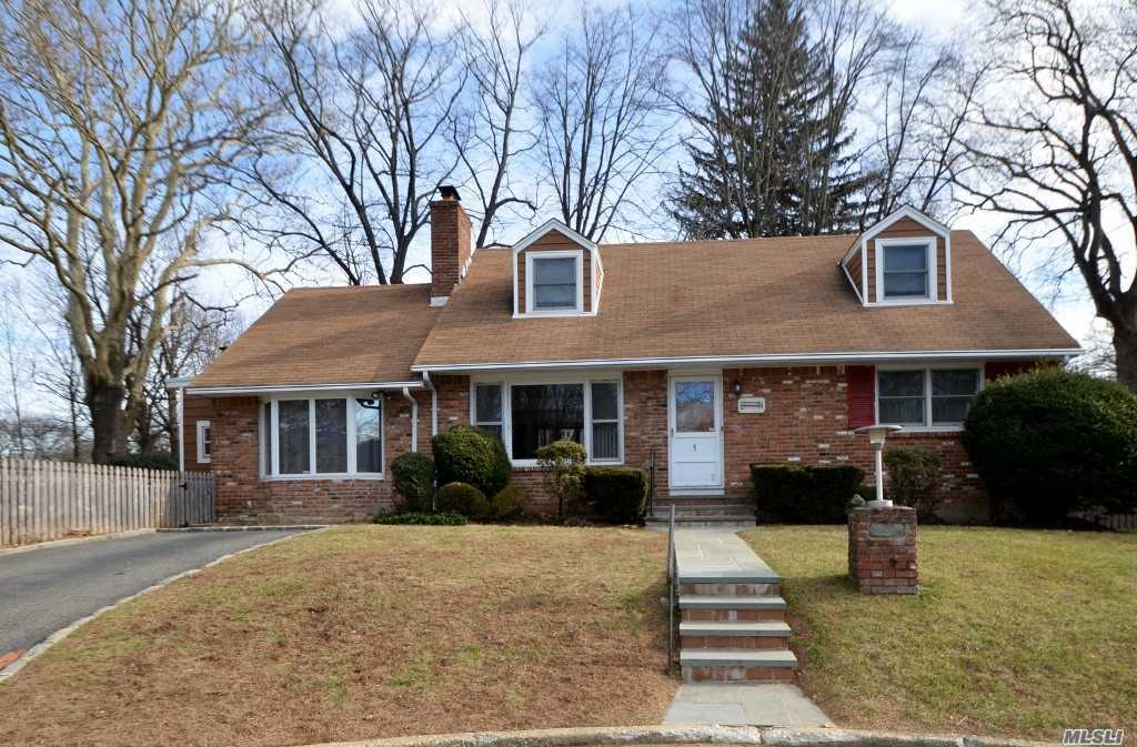 Classic Cape Cod Located On Cul-De-Sac With Winter Waterviews. Ef, Lr W/Wood Burning Fireplace, Fdr, Den W/Sliders To Yard, Eik, 2 Bedrooms, Full Bath. 2nd Floor; 2 Bedrooms, Full Bath. Full, Part Finished Basement W/Washer/Dryer & Utilities.