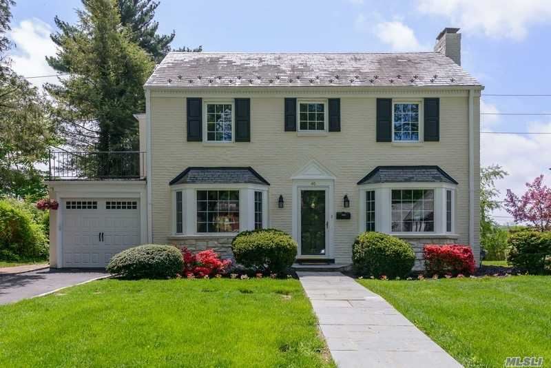 Classic North Strathmore 4 Br Colonial With Sunny, Renovated Eat-In Kitchen And Adjoining Family Room. Convenient To Train, Town And Shopping! Munsey Park Elementary. Low Taxes. Move Right In!