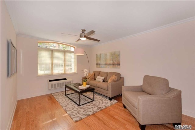 Xxx Mint 2 Bedroom/2 Bathroom Condo At Courtyard Gardens With Stainless Steel Appliances, Washer Dryer, Wood Floors Throughout On First Floor. Parking Available For Extra $200 A Month. Close To L, M, Z Tains, Lirr, Shopping, Restaurants, Forest Park. Building Has Recreation Room And Gym.