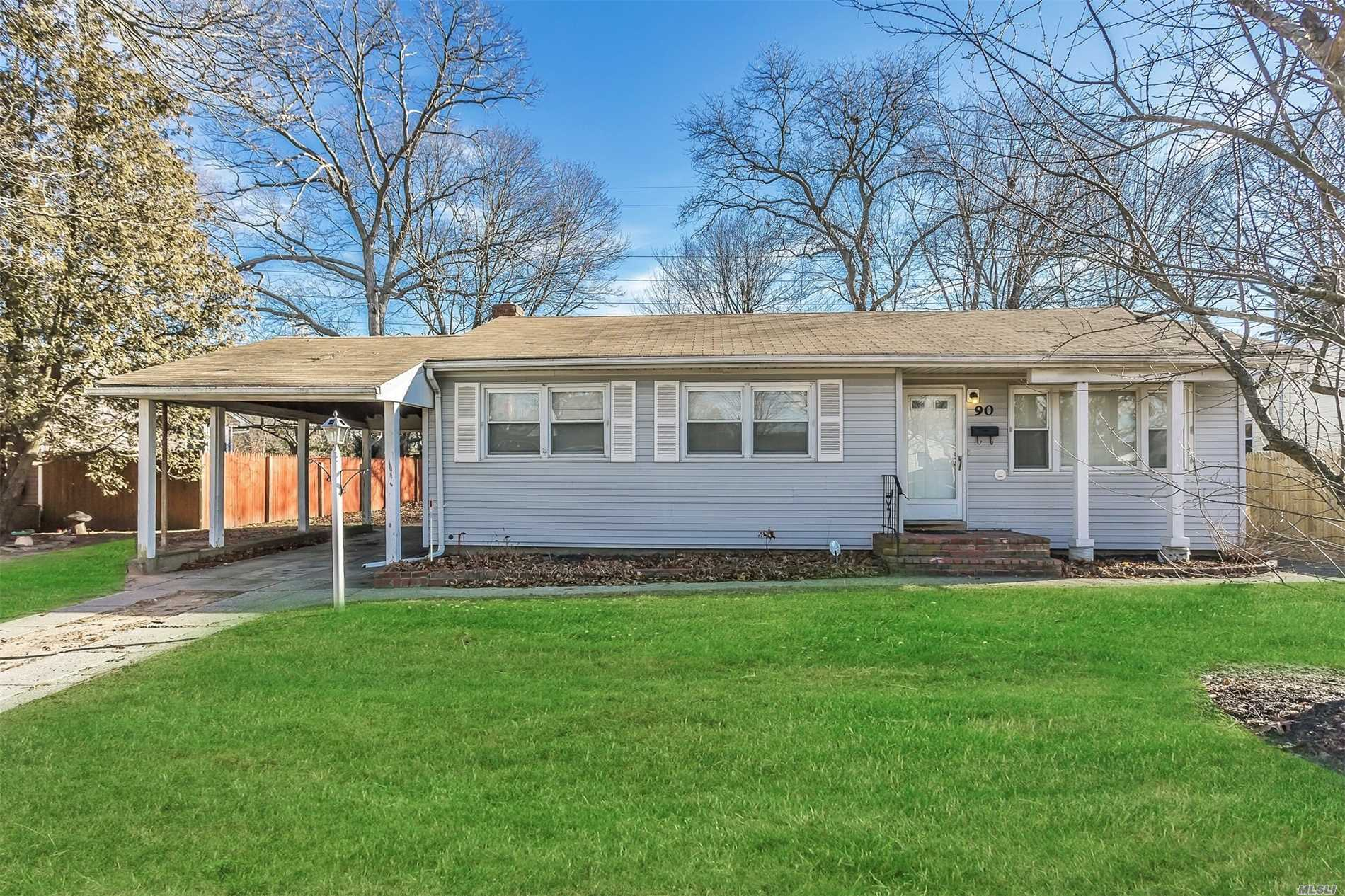 Great Starter Ranch W/Low Taxes! 3 Bedrooms, Hardwood Floors Throughout. New Appliances, Full Bsmnt, Gas Heat, 2 Car Detached Garage And Carport. Make This Your Own!