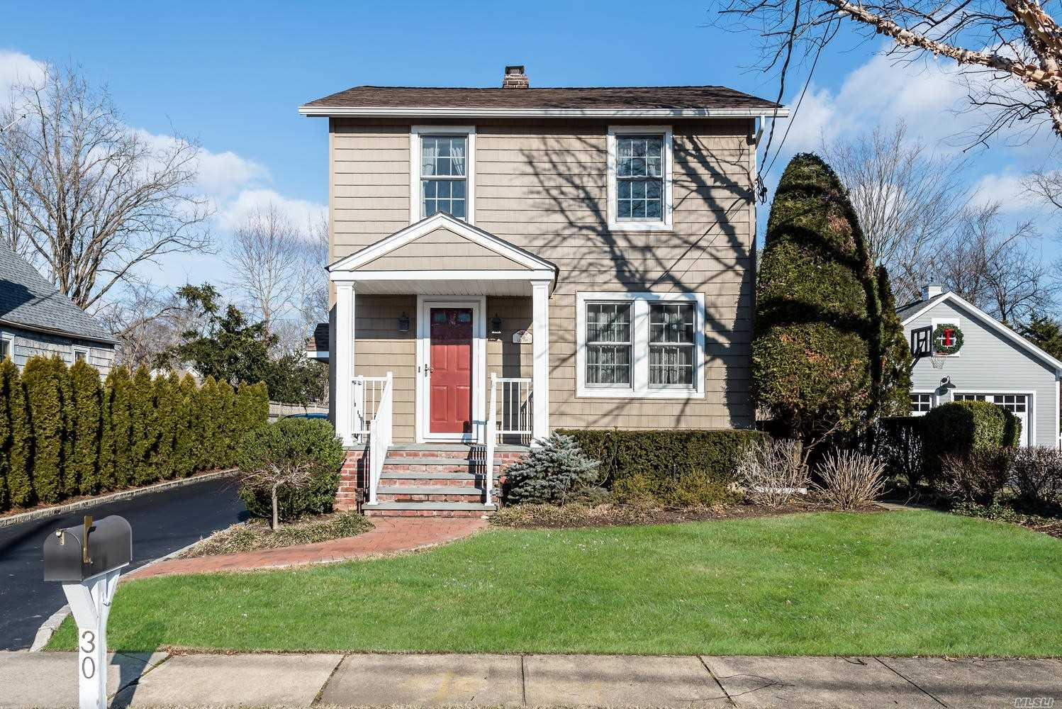 Updated And Impeccable 1924 Colonial. Cac, Generator, Newer Siding, All New Anderson Replacement Windows, Granite Eik, 10 Yr Roof., Walking Distance To Muttontown Preserve!!! Oversized Garage With Pull Down To Large Standup Storage Area.