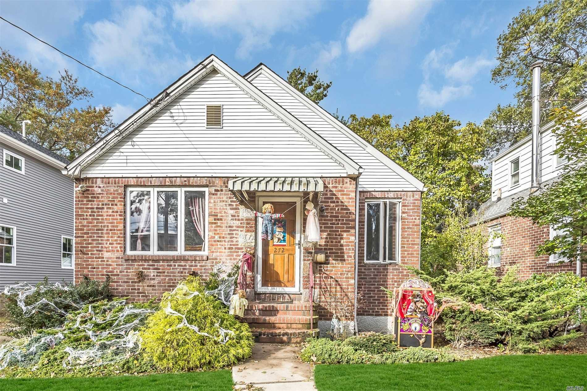 Very Nice 2Br Brick Ranch For Sale In Franklin Square. School District 17 With John St Elementary And Carey High School. Home Features Hardwood Floors Throughout. Gas Heat & Cooking. Full Basement. Brand New Hot Water Heater. 1 Car Detached Garage. Private Yard And Quiet Street.