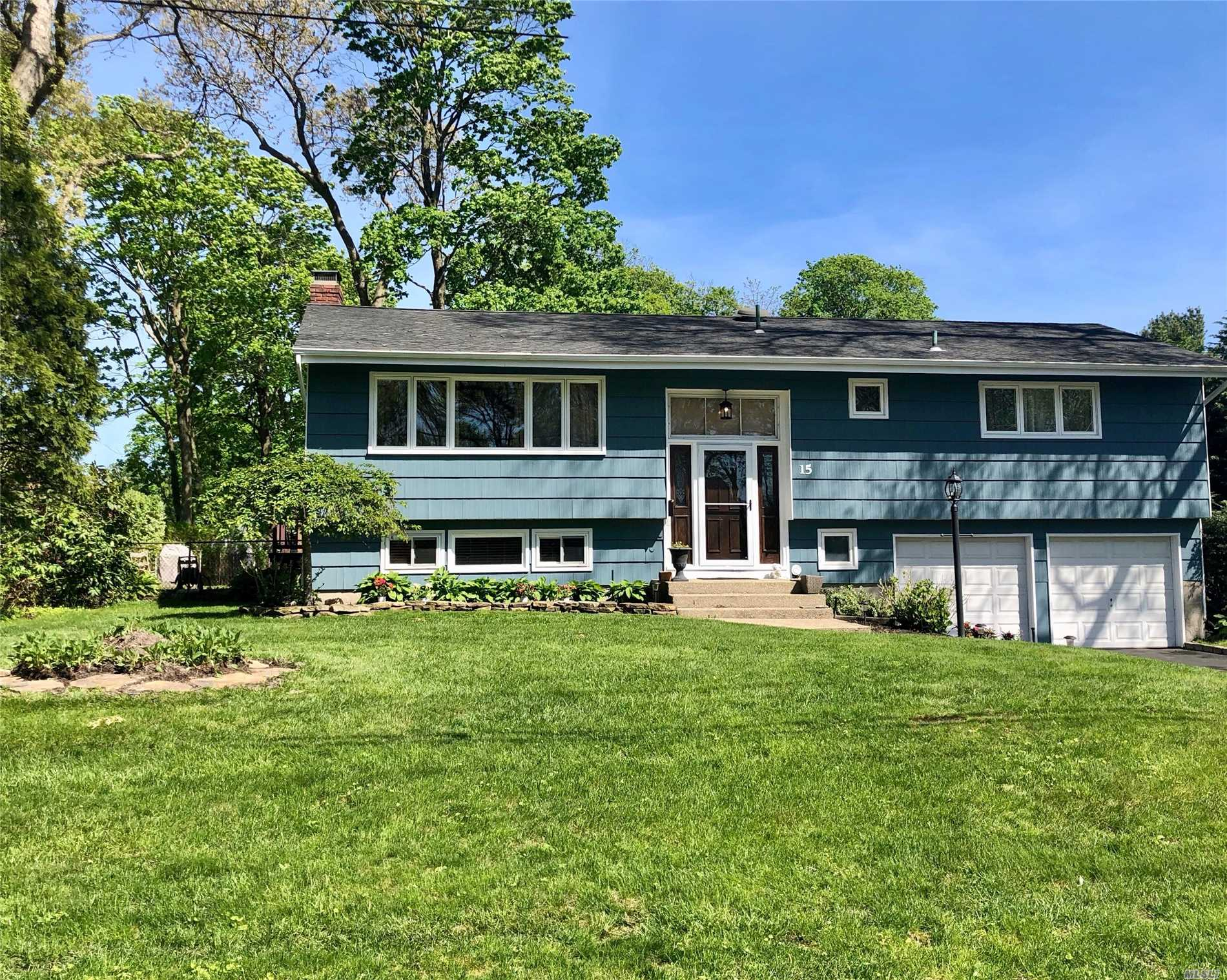 5 Bedroom Oversized Hi Ranch In So Bayport. Many Updates, Cul De Sac, Spacious Rooms, Updates Thruout. Warm And Welcoming. 200 Amp Elec, Hardwood Floors, Solid Raised Panel Doors, All Updated Windows, New Flooring In Den With A Fireplace. Belgium Bloc Lined Driveway, 10 Yr Young Roof, 1 Layer. Great Entertainering Home And Yard, Bi Level Deck With Block Patio. Deep And Private Yard. Make It Yours. Close To Sayville Downtown And Meadowcroft.