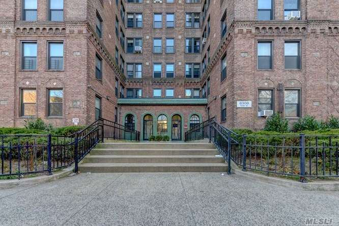 Beautiful, Renovated, Large 1 Bedroom Apartment In The Heart Of Kew Gardens. Updated Eat-In-Kitchen With Custom Stone Backsplash And Great Sunlight, Spacious Living Room With Decorative Fireplace, Dining Area, Separate Oversized Bedroom And Bath Quarters. Pristine Hardwood Floors Throughout. Ideal Location! Close To Lefferts And Austin Street Shopping, Restaurants, Lirr, And Express Subway Stop