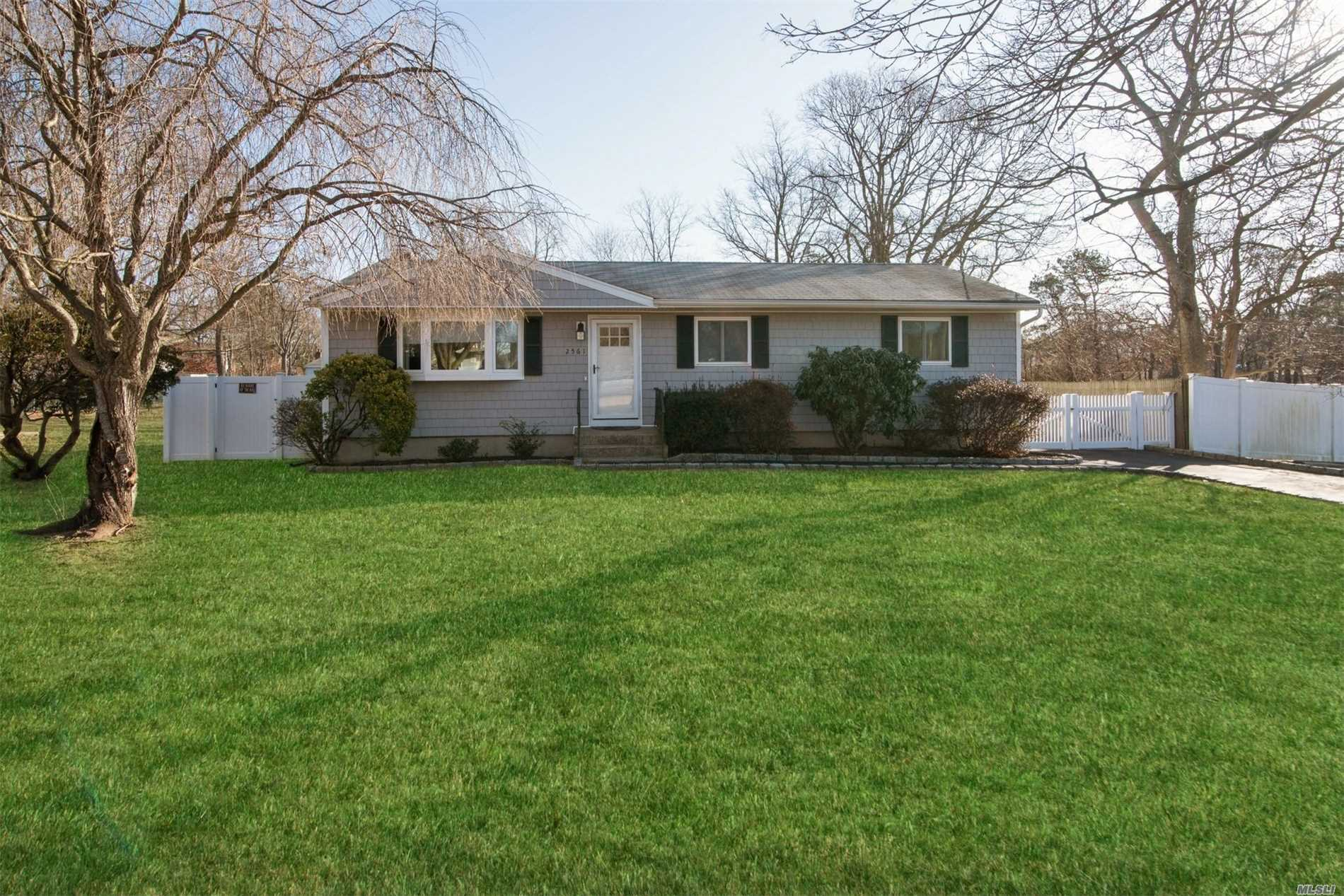 Updated Stylish Ranch Home With Huge Garage For All Your Toys!. 3 Bedrooms, 1 Full Bath. New 2018-Siding, Driveway, Pvc Fence, Insulated Windows, Hardwood Floors, Moldings, Bathroom. Detached 25 X 25 Garage With Loft And 100 Amp Service Fits 3 - 4 Cars. A Must See.