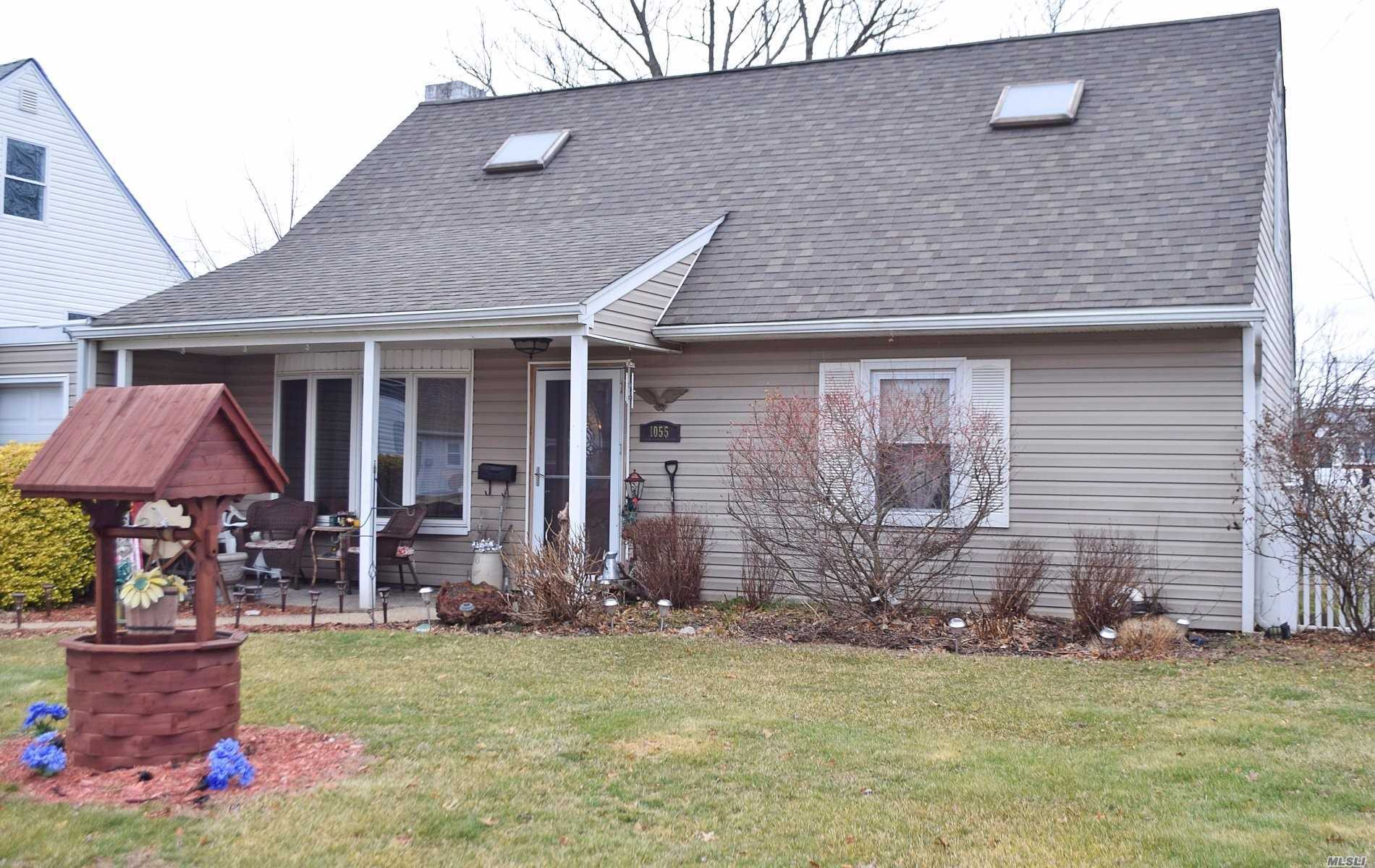 Charming 4 Bdrm, 2 Bth Cape, Fully Redone. Desirable Block. Wood Flrs, Stainless Appl.,  Granite, Open Floor Plan. New Windows, Roof/Siding. Ductless Ac. 1 Car Att. Garage.Great Big Yard. Awesome For Parties, Entertainment. All This And Great Schls. A Must See.