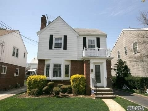 Located Right Next To Hofstra Univ (Duncan Estates Section) Sits This Excellent Brick Colonial With Uniondale School District!! Great For Investors Also!! 4 Large Beds, 2.5 Baths, Liv Room W/ Cozy Fireplace, & Dining Room, Finished Basement W/ Bath & Private Entrance!! All Wood Floors Throughout Home, New Gas Heating System, Detached Garage & Large Driveway Offer Plenty Of Parking! Must Verify All Info Indep.