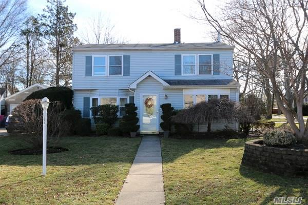 Move Right In To This One-Of-A-Kind Mint Carle Place Colonial, 4 Bedrooms, 2 Full Baths, Spacious Living Room/Dining Room, Office/Guest Room, Den, And Game Room. Sliding Door From Den Leads To Spacious Yard With Rear Patio And 2 Sheds. Above-Ground Oil Tank, Gas Hook-Up In Street. Close To Lirr, Parkways, Shopping, Schools, And All.