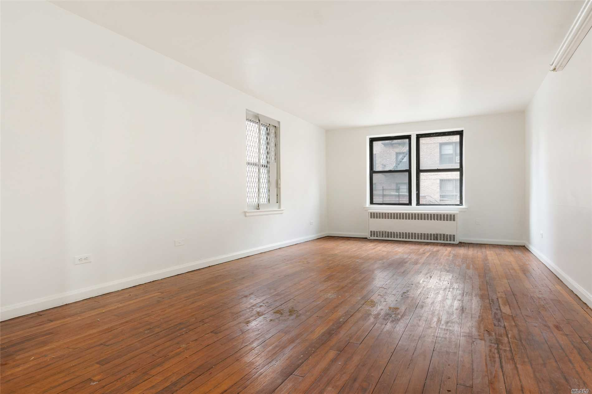 Be In The Heart Of Flushing. Large Bedrooms, Spacious Living Room, Plenty Of Closets, New Appliances. Laundry Facilities In Complex. Maintenance Includes All Utilities. Convenient To Supermarket, Shopping, Places Of Worship, Subways, Express Buses To Manhattan And Lirr.