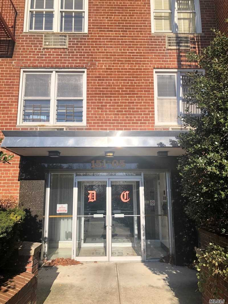 **Rare Find** Real 2 Full Bedroom 2 Full Bathroom In The Most Desirable Area Of Whitestone. This Large 2-Bedroom 2 Bathroom Has Plenty Of Natural Light In All Rooms From The 5th Floor Of An Elevator Building. Unit Has A Living Room Separate Dining Area Off The Kitchen. Walking Distance To Shopping And Restaurants. Close To All Major Highways Without The Noise. Express Bus In Front Of The Building. Live In Super And Laundry Room In The Building