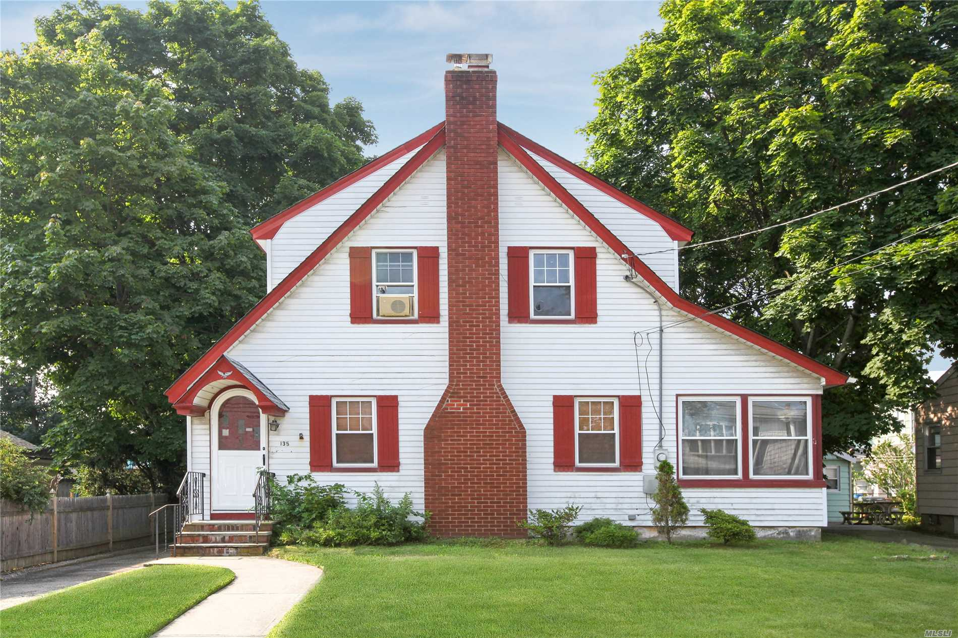 Location Location Location One Of A Kind Colonial In The Heart Of Merrick. Close To Railroad And Shopping. Large Yard. Newer Roof. Beautiful Wood Floors. House Sold As Is Great Opportunity Chatterton/Mams/Calhoun