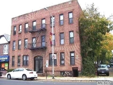 Totally Redone First Floor Apartment With All New Everything, Kitchen, Bath Walls, Electric - Convenient To Lirr