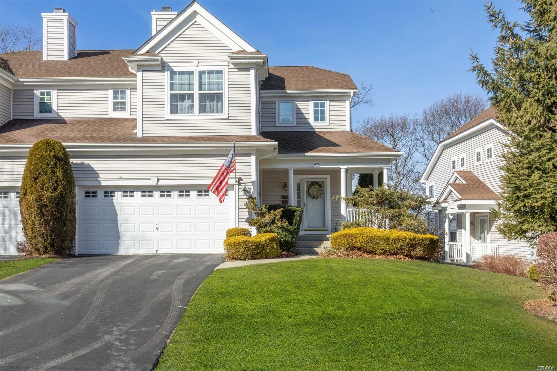 Beautiful Sand Dune Condo In Maidstone - 2 Water Views, On The Pond & Winter Water Views Of Li Sound, Newer Eik W/Stainless Appliances, Trex Deck Off Liv Rm W/Winter Water View Of Li Sound, Master Suite, Spacious Fin Bsmt W/Rec Rm, Study, Bath, Walkout To Patio - Enjoy The East End Of Long Island & Its Amenities