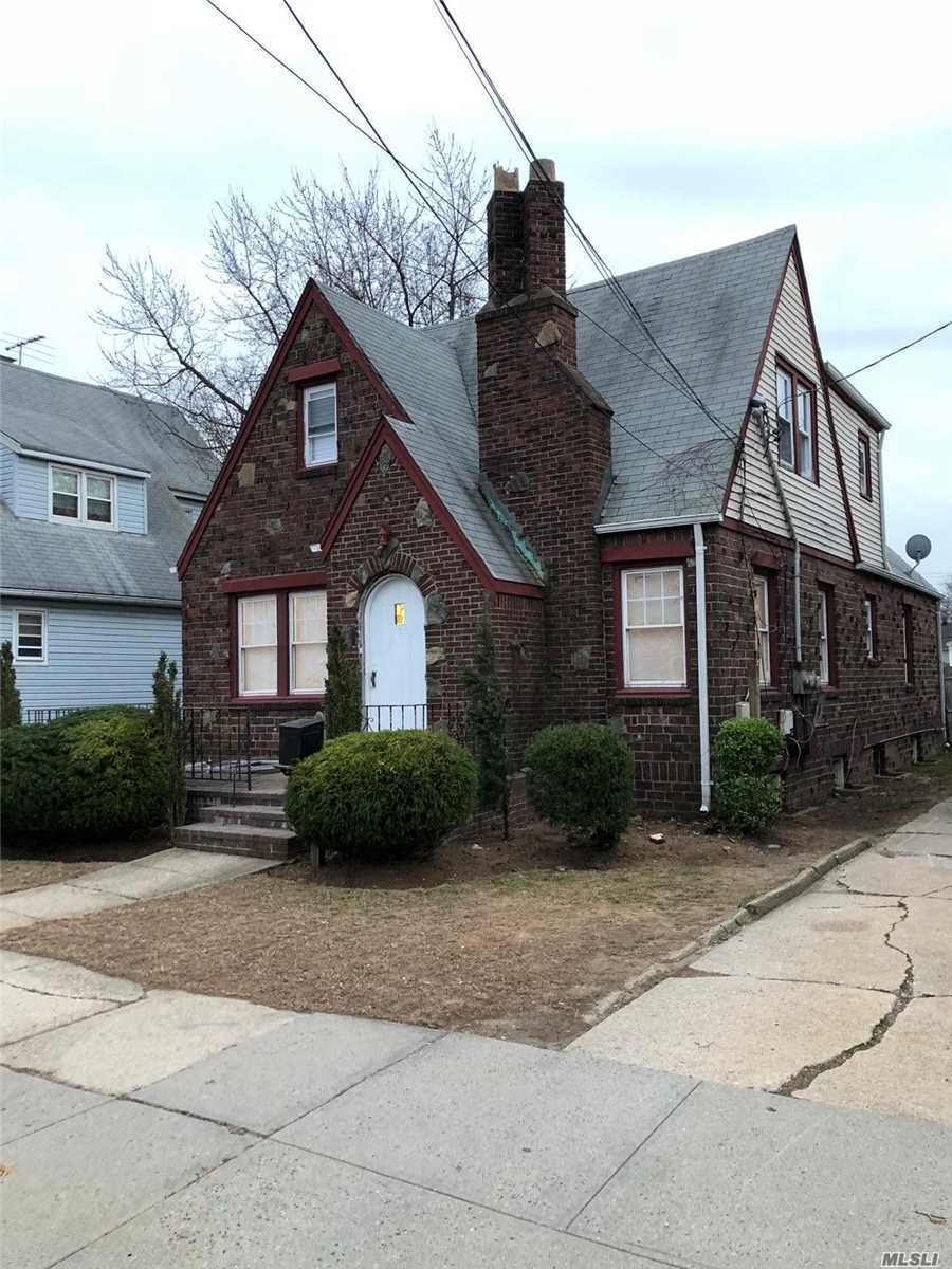Centrally Located To All Amenities. West Hempstead School District! Must See To Appreciate.
