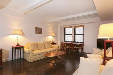 A quiet west facing one bedroom in a full service New York Landmark - the Essex House. With Central Park just steps away, this unit is ideal as your personal residence, fully-serviced pied-a-terre or investment property. Well-proportioned this unit features a large bedroom, a very comfortable living room along with herringbone hardwood floors, majestic beamed ceilings, a full-sized kitchen, a full bath plus a powder room and abundant closet space. Available to all residents are true hotel style amenities that include 24-hour doorman, concierge and bell staff, fitness center and spa, 24-hour in-room dining service; valet, a business center and an award-winning restaurant. Have all of your needs and wishes met with a warm smile. Both short and long term rental welcome. Sold with furnishings. Private Showings Available Upon Request.