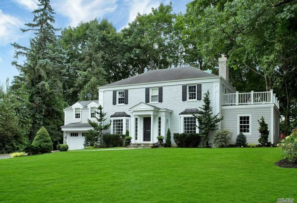 Exceptional Bright Center Hall Colonial, All Newly Renovated & Expanded W/ 2 Spacious Family Rooms, 2 Gas Fireplaces, Stunning Gourmet Eat-In Kitchen, Mud Rm W/Laundry Off Kitch , Front & Back Staircase, Butlers Pantry, Over-Sized Custom Basement W/2 Lrg Playrms W/Built-Ins, Art Rm & Large Storage Rm, Full House Generator, Cac, 2Car Gar W/Long 6 Car Driveway, Alarm, Sprinklers, Manhasset School Dist 6, Munsey Park Elementary