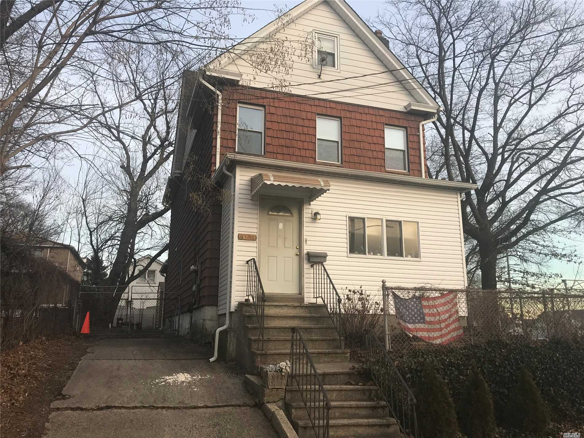 Large Two Family 167St. H.H.Expwy. Many Buses, Long Private Driveway. 2nd Floor, 3 B/R Duplex. Vacant On Title! P.S. 163.....Usa Two Family....Large House...4 Bedrooms, Three Floors + Basement W/ Sep Entrance. All Separate Heat, Hot Water And Electric. Ideal For Living Or Investment