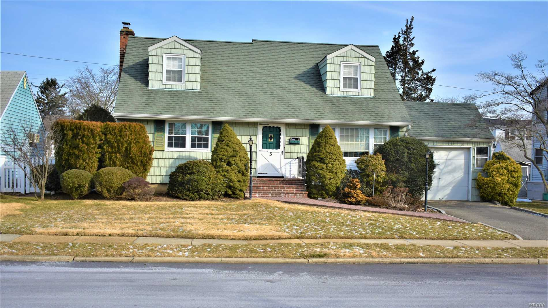 Location! Location! Location! Charming & Cozy 4 Bedroom, 1 Bath Cape With Full Half Finished Basement, Hardwood Floors Throughout, Bonus Room, 5 Zone Sprinkler System, Tons Of Potential. Come Make This Home Yours, Wont Last !!