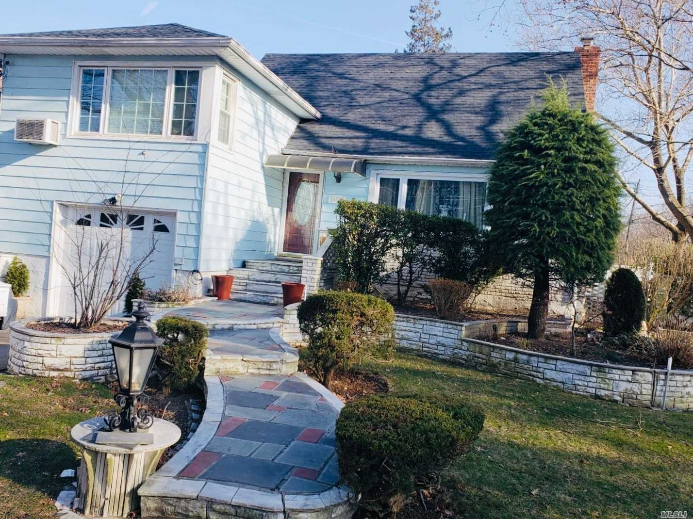 Well Maintained Split Level Corner Property, With Updated Kitchen And Bath . This Home Also Features An Inground Pool. Centrally Located Close To Lirr And Shopping. A Must See!! Mrs Clean Lives Here.