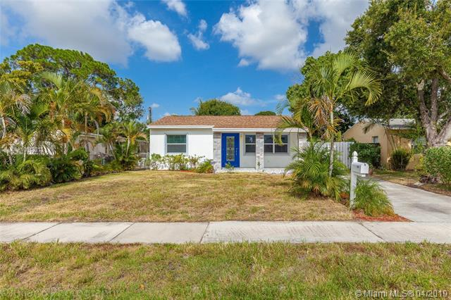 This Home Is Completely Remodeled And Sits On Over 6500 Sf Fenced Lot With Custom Italian Ultra Modern Cucina Kitchen, Granite Counter Tops, Whit Porcelain Floors, Featuring 2 Bed 2 Bath, Impact Windows/Doors Covered Patio, Wine Cooler Central Ac And New Roof. This Gem Of A Home Is Near Downtown Ft. Lauderdale & Wilton Manors W\Night Life, Bars, Great Restaurants & Mins From The Beach.