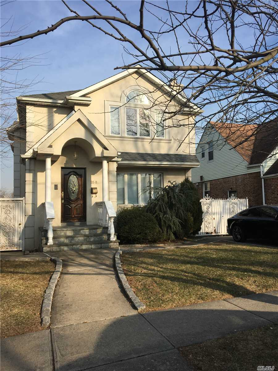 Excellent Condition, Including Driveway. Near Shopping And Bus.