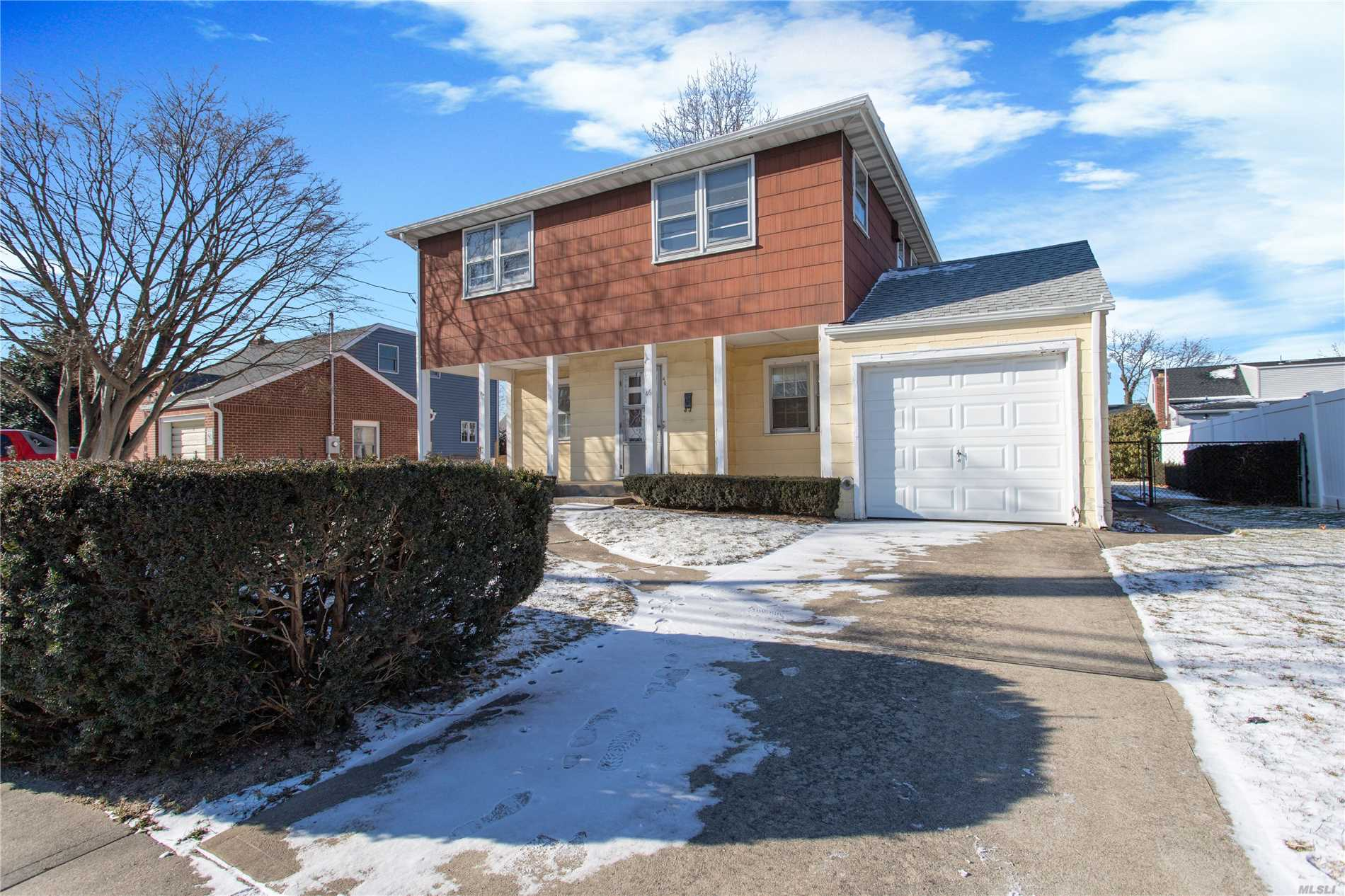 Super Clean Colonial In Prime Plainedge School District #18! Features 5 Large Bedrooms, 2 Full Baths, Rocking Chair Front Porch, Partially Finished Basement. Mid Block Location, In-Ground Sprinklers, Garage And Much More
