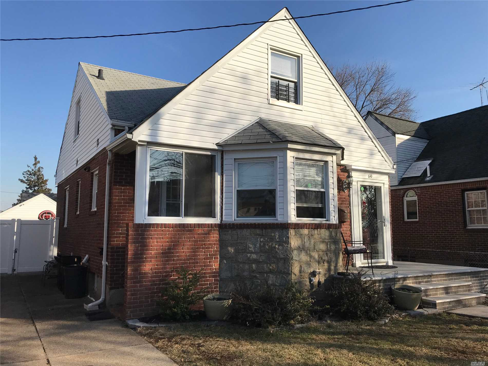 Charming Tudor Cape In The Rath Park Section Of Franklin Square With Great Proximity To All. Features Updated Kitchen W/New Appliances & 2 Updated Baths. New Converted Gas Heat And Hot Water And Electric. Hardwood Floors , Finished Basement And More...New To The Market.