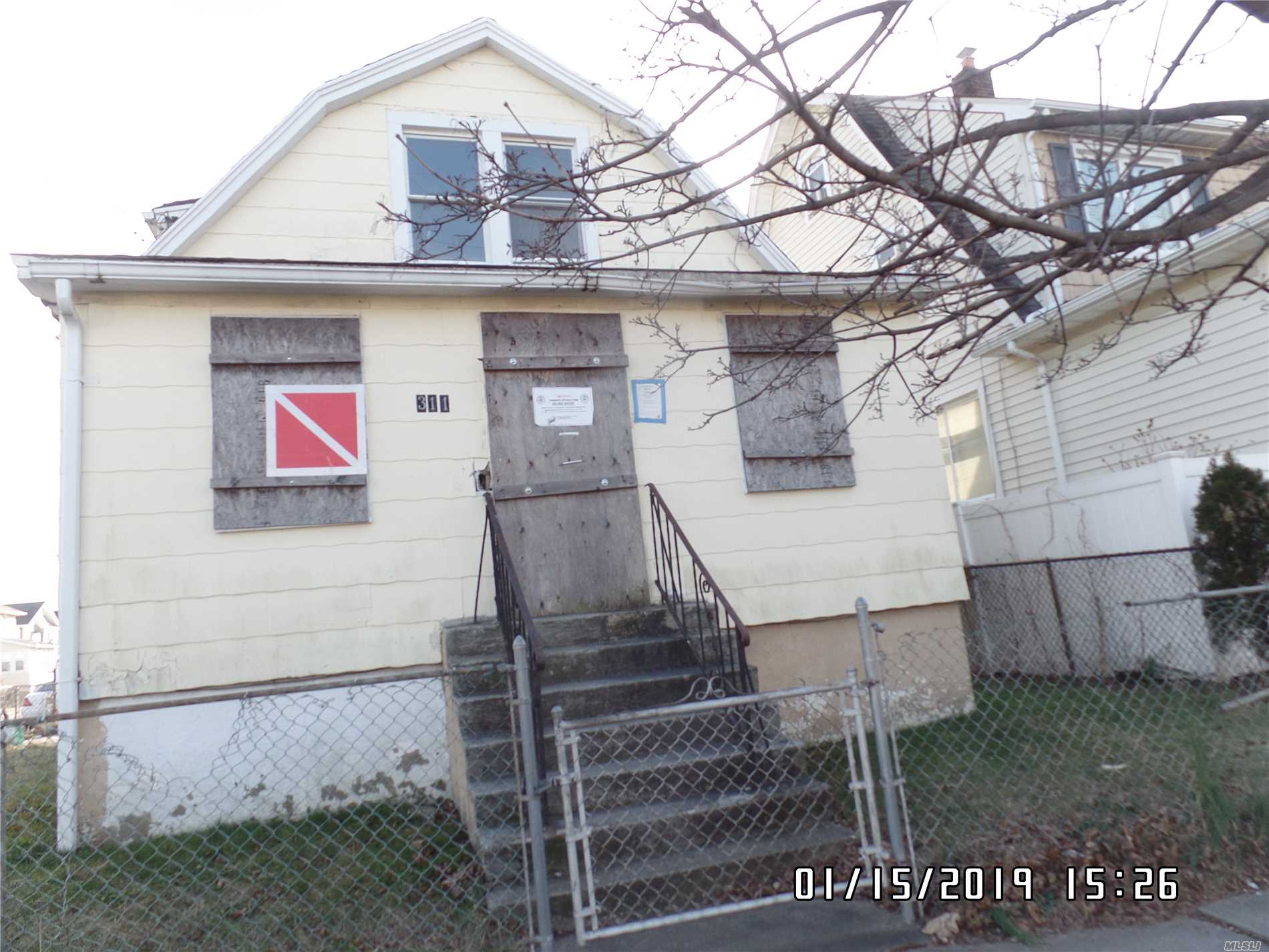 Sold As Is. This Property Is A 1 Family.Home. Great Opportunity For Investors.