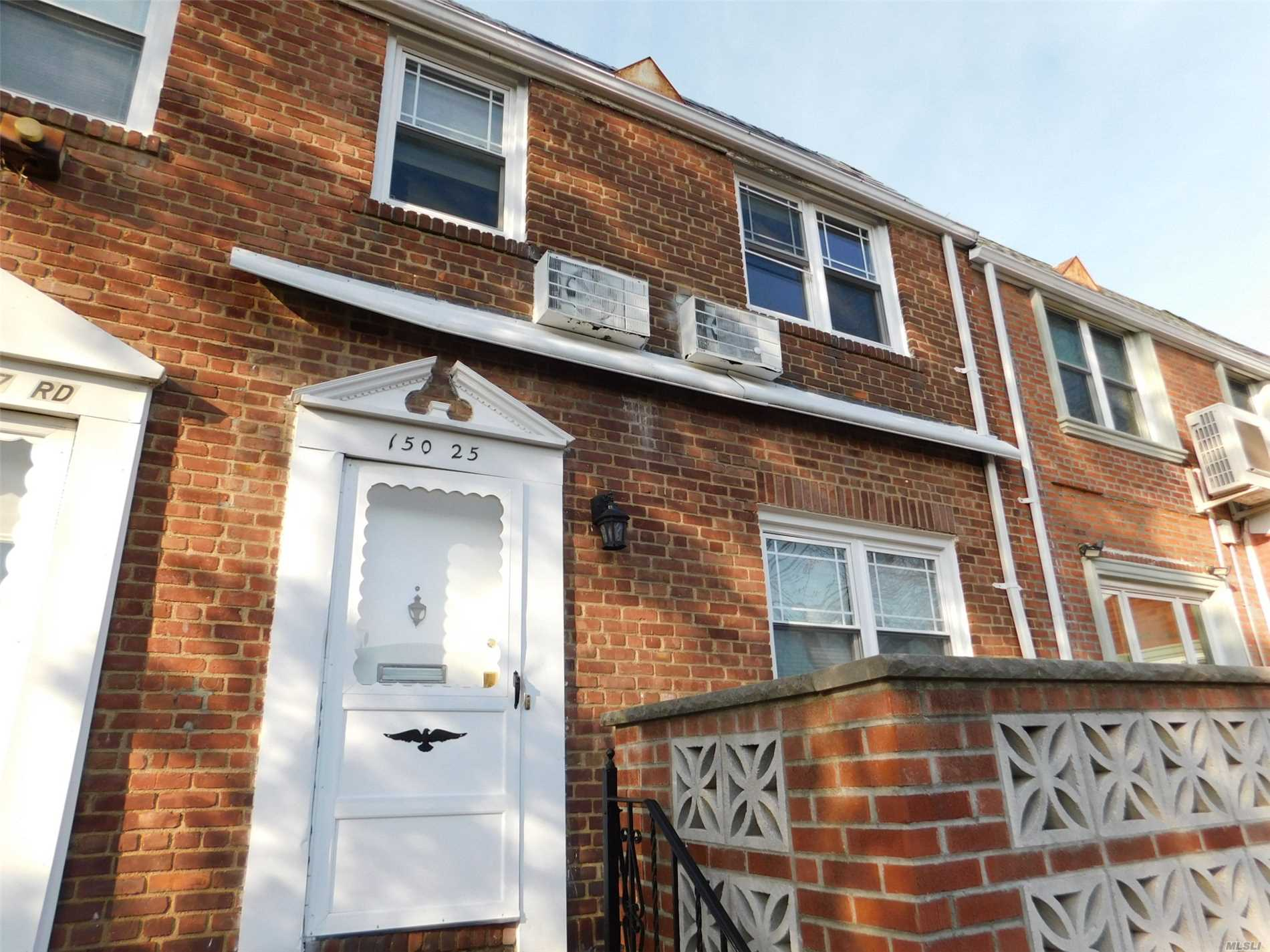 Solid Brick Townhouse With Parking.Finished Basement Pets Ok Vacant