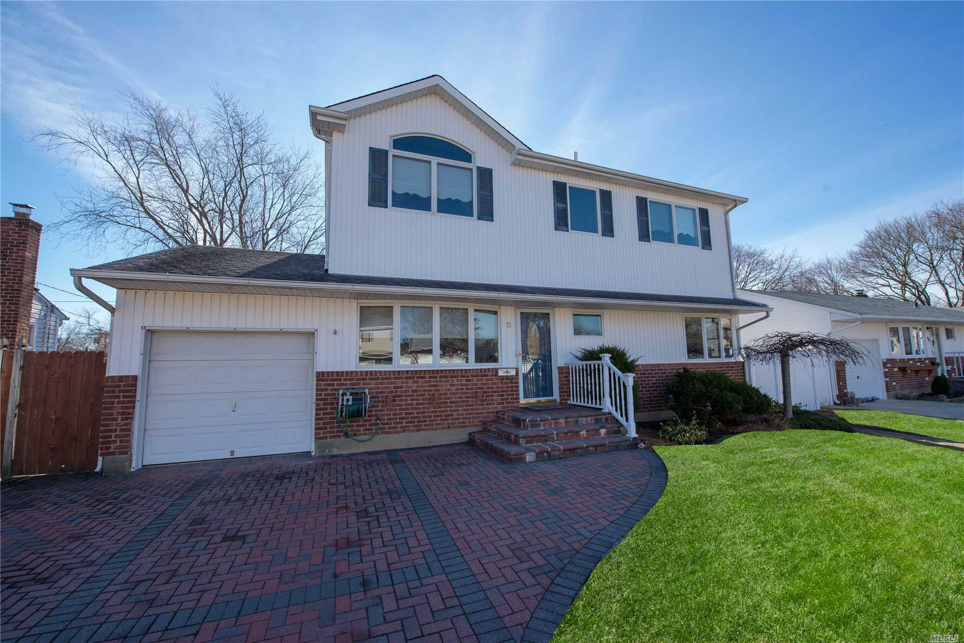 Come Take A Look At This Beautiful Ready To Move In 3 Bedroom 2.5 Ba Colonial In Old Bethpage. Featuring A Large Living Room. Expanded Kitchen W Poplar Cabinet, Ceramic Tiles, Dining Room, Eik W Party And Gliding Doors To Deck & Hardwood Floors. Finish Basement With Laundry Room. Other Features Incl. Spacious Deck With Inground Pool. High Rank Schools! Close To The Park, Golf And Mini Shopping Center. Come Make This Home Yours!