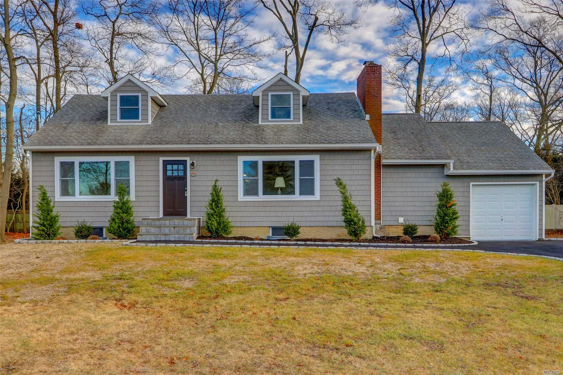 Connetquot Schools , Low Taxes House Has Been Renovated .Updated 2 Bathrooms, Hardwood Throughout , Hihats, New Ss Appliances, 200 Amps, New Driveway, Electric Garage Opener, Does Not Require Flood Insurance. Must See!