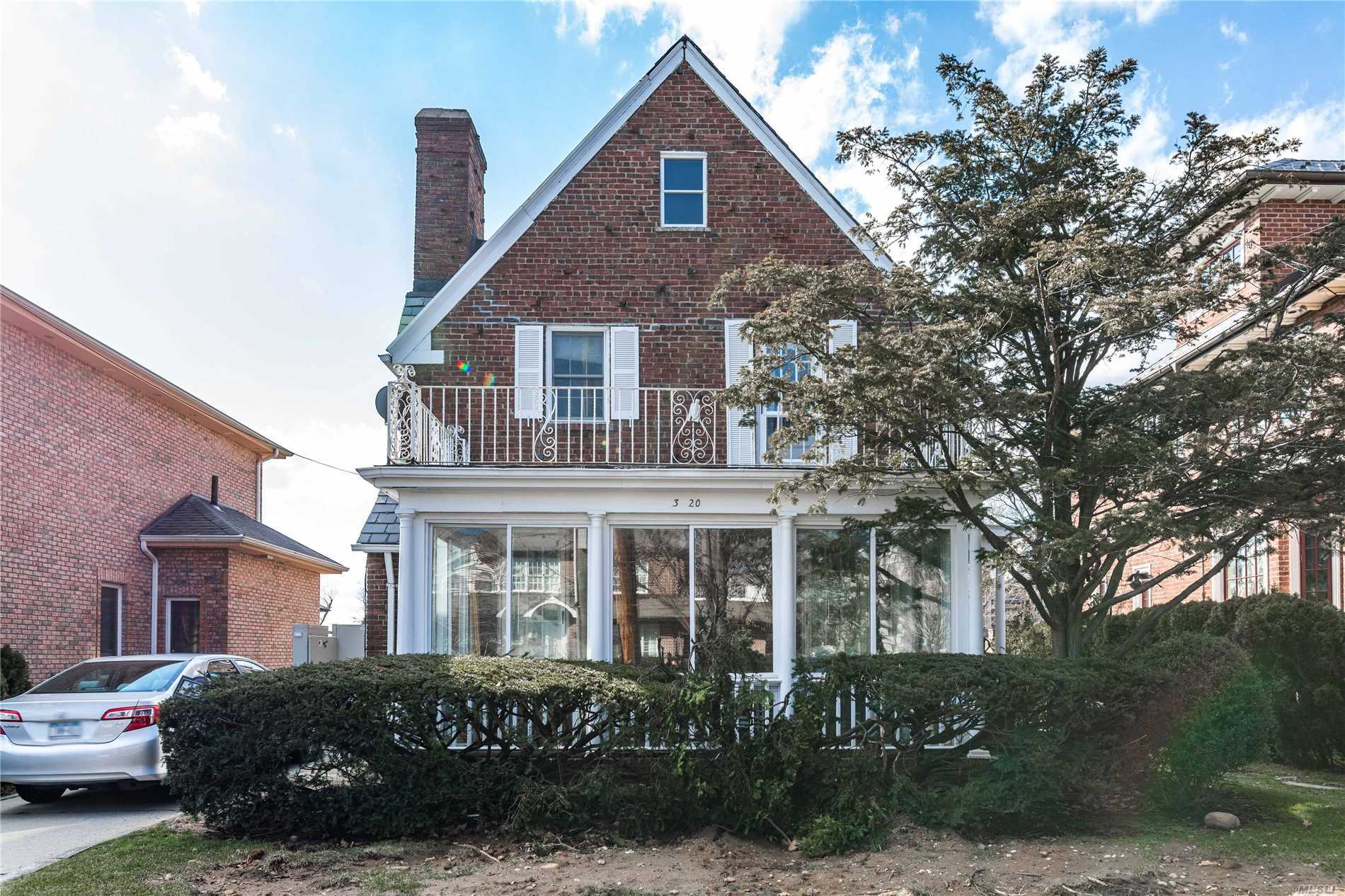 Charming All Brick 3Br Colonial On Beautiful 50X100 Lot Tucked In To Enclave In North East Queens Of Malba Featuring Hardwood Floors Throughout, Master Br With Bathroom, Detached Garage And Unfinished Basement.