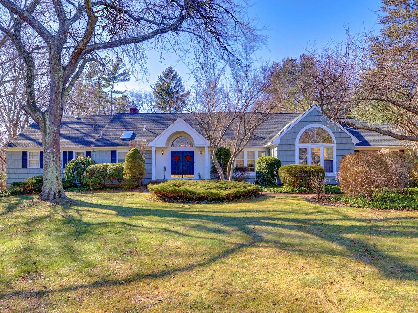 Rare Chance To Make This 4, 000+Sqft Farm Ranch. One Of The Most Desirable Blocks Of Huntington Bay Your Own! Deeded Nathan Hale Beach Rights. Bay Club Around Block. Open Layout Is Ideal For Entertaining! Possible 7 Bedrooms. New Dark Oak Floors Throughout. New Roof. Freshly Painted W/ Gorgeous Custom Molding Throughout. 2 Fireplaces. Cac. Hi Hat Lighting Throughout. Master En Suite. Private Guest Qrtrs. W/ Updated Bath+Sitting Room + Tons Of Storage. Basement W/Ose & Tons Of Potential & Storage!