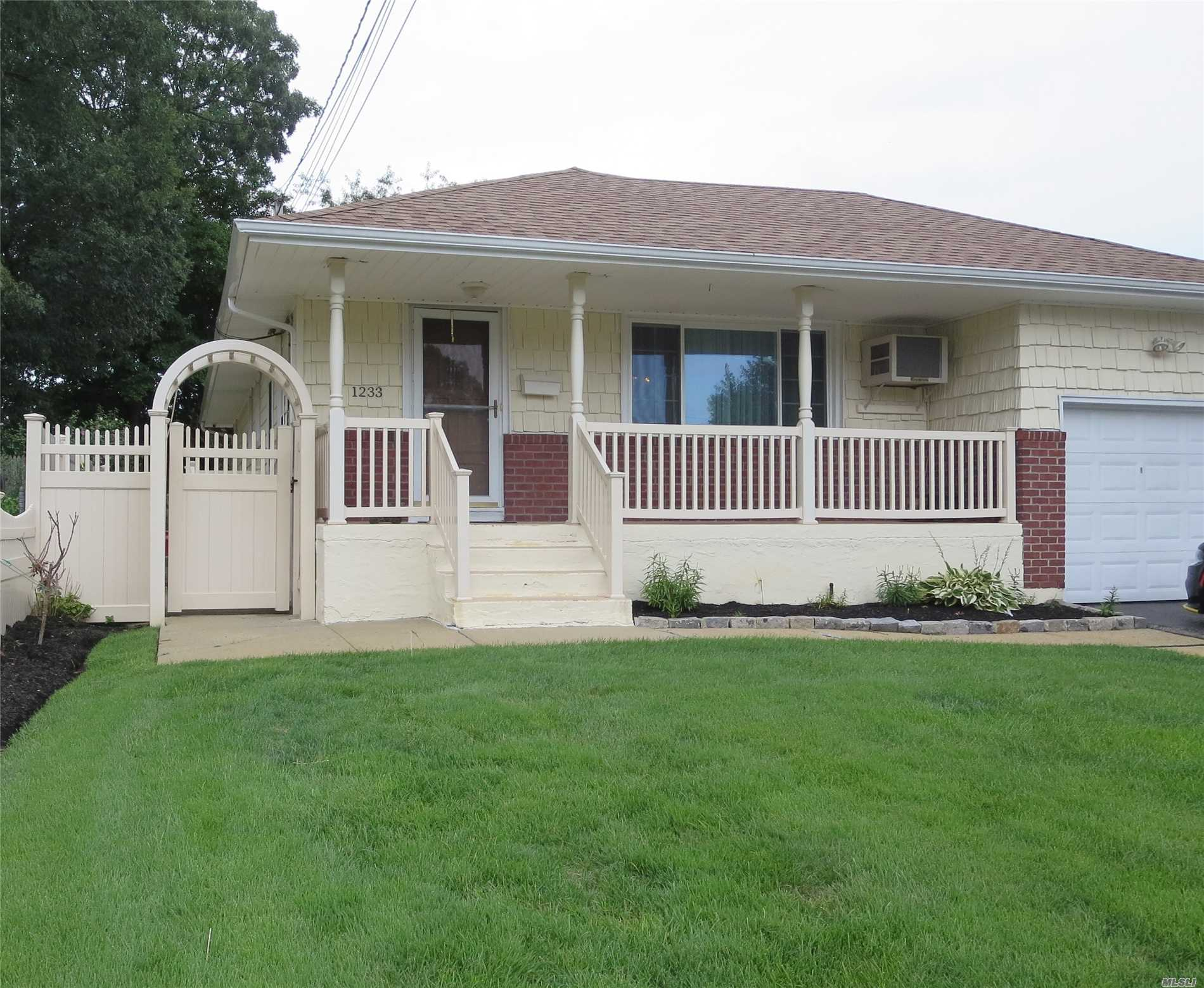 Three Bedroom Terra Ranch On Oversized Property. Full Finished Basement With High Ceilings. Roof (5Years), Updated Windows, Hdwd Floors And Inground Sprinklers. Large Backyard With New Pvc Fencing.
