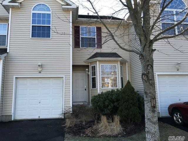 Condo Style Home. This Home Features 2 Bedrooms, 2.5 Full Baths, Formal Dining Room, Eat In Kitchen & 1 Car Garage. Centrally Located To All. Don't Miss This Opportunity!