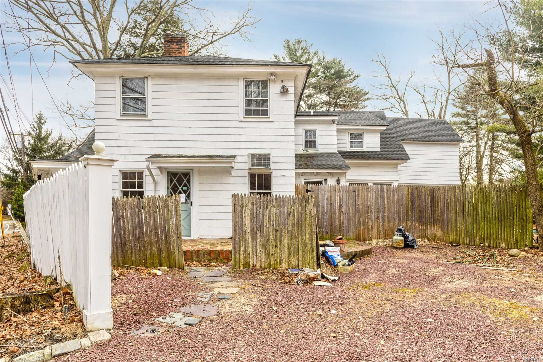 East Hills. Great Opportunity Awaits For This 6 Bedroom, 3.5 Bath Colonial/Farmhouse In The Village Of East Hills. 2 Fireplaces, Dual Staircases, Wood Floors Throughout. Tremendous Potential. Membership To The East Hills Park & Pool.
