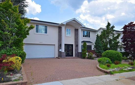 Majestic 4 Bedroom Lg Splanch. In Award Winning Schls. Great Location. Great Open Bay. Magnificent Views Of The Jones Beach Monument And Theatre. Truly One Of A Kind! Park Your Boat With Floating Dock. Opportunity Is Knocking. Wow. Aide From the Kitchen, The House is now Fully Complete..Updated photos coming soon.