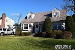 Introducing.... Wantagh's Traditional Cape Cod Style Home!!!Close To All-Lirr, Shops, Schools & Restaurants! Wantagh S/D#23 Home Of The Warriors!!! This Honey Is Set On A 9100 Sqft Lot ( 64X140). Endless Possibilities- 4Bedrooms, Full Baths, Full Basement W Ose, Garage, Above Ground Pool-Large Yard!.
